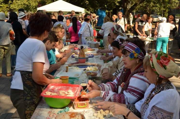 Фест консервації, парад такс, поїздка на водоспади: Як не згаяти вихідні у Запоріжжі