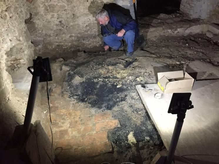 На Хмельниччині тривають розкопки кімнат палацу Сенявських (ФОТО)