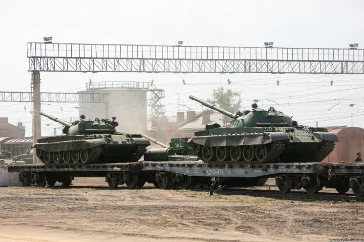 Підсилення Т-62: Навіщо Росія перекидає танковий металобрухт на Донбас