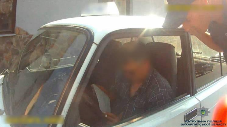 В Ужгороді зловили таксиста, який працював п'яним (ФОТО)