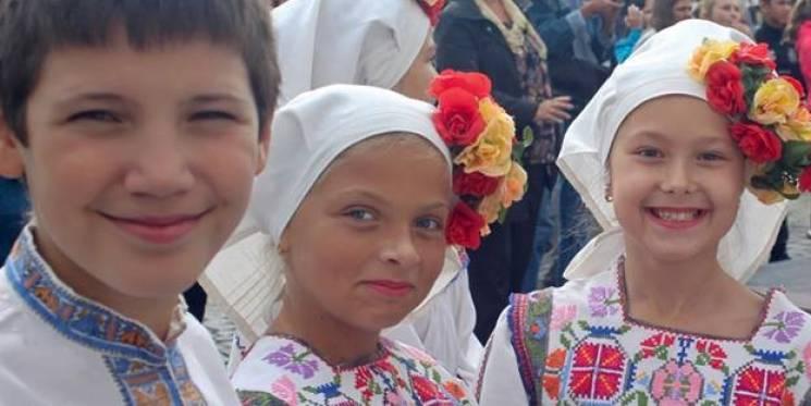Ужгородців привітають з Днем міста різними мовами