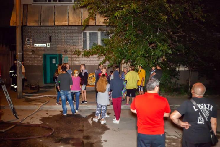 На околиці Дніпра евакуювали 14-поверхівку через пожежу (ФОТО)