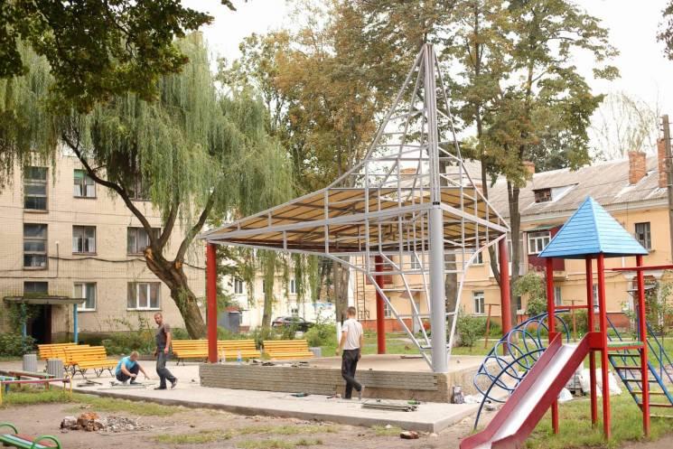 На Тяжилові відроджують літній театр (ФОТО)