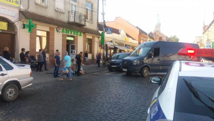 У центрі Мукачева автівка збила жінку-пішохода (ФОТО)