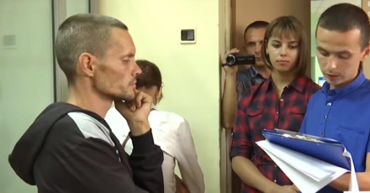 Депутату з Кропивниччини, який мордував голодом сина, не сидиться під домашнім арештом