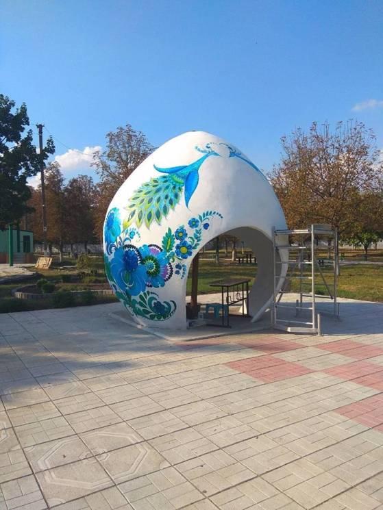 На Дніпропетровщині завершили реставрацію триметрової писанки (ФОТО)
