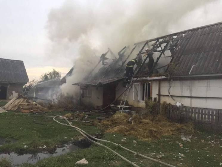На Тячівщині сталася масштабна пожежа у житловому будинку (ФОТО)