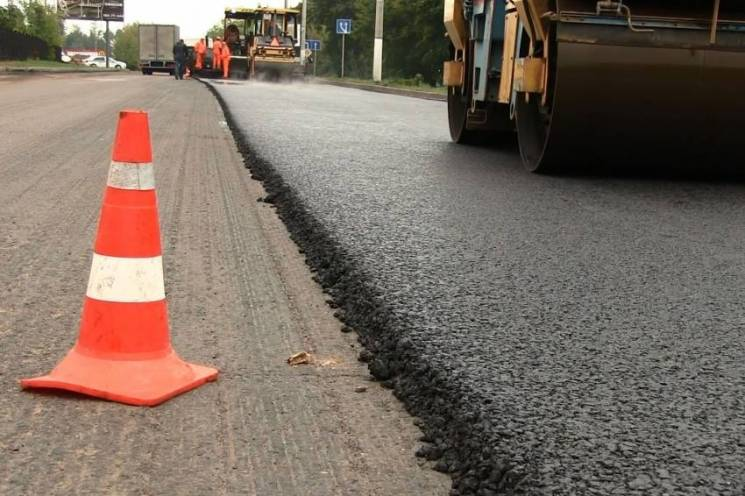 Закарпаття найбільше серед областей України ремонтує доріг