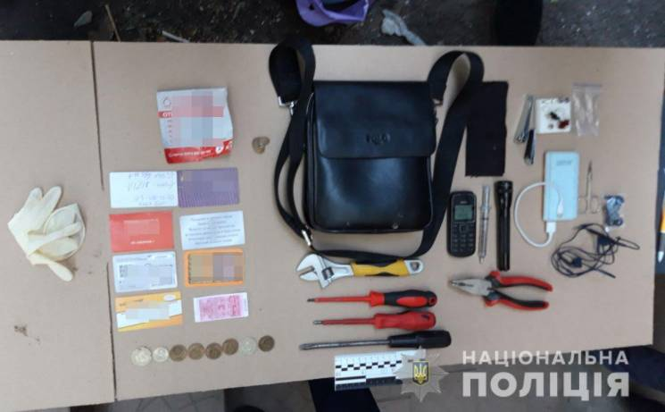 Парочка дніпрян обкрадала запорізькі квартири (ФОТО)