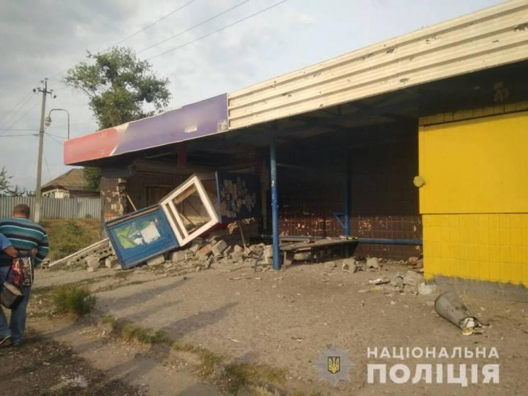 Аварія на зупинці під Харковом: З'явилися кадри з місця ДТП (ФОТО)