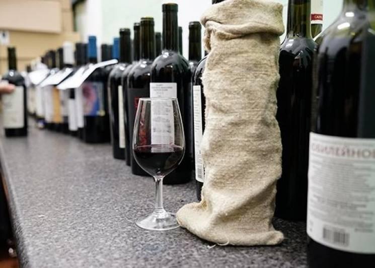 Більше половини росіян хочуть заборони продаж алкоголю особам до 21 року