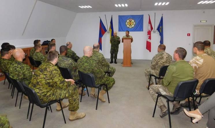 Канадські інструктори-сапери шостої ротації завершили свою місію в кам'янецькому Центрі розмінування