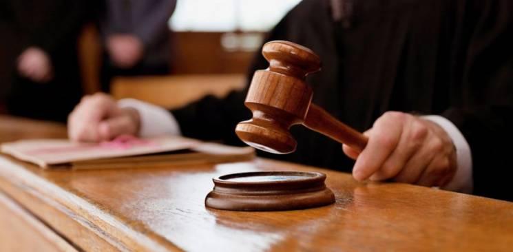 Суд покарав віньківчанина, що побив матір і покусав поліцейського