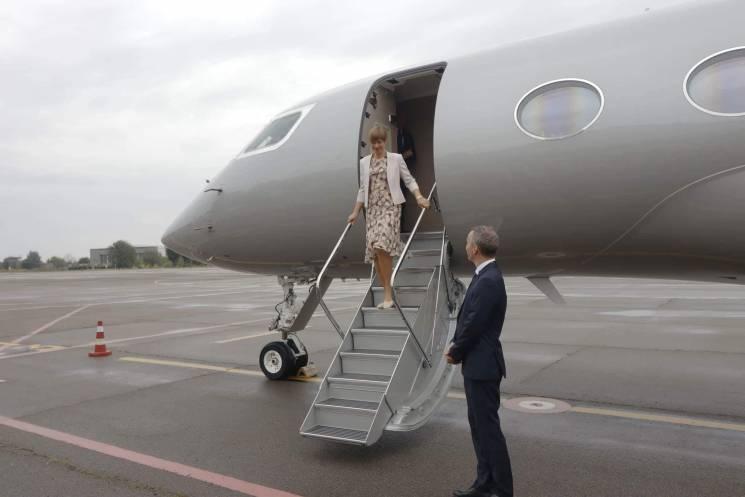 До Дніпра прибула президент Естонії Кальюлайд (ФОТО)