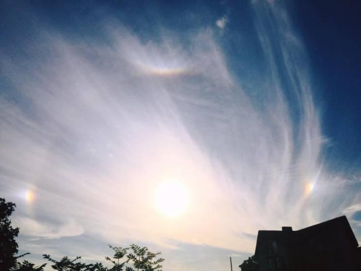 Тернопіьське небо освітило веселкове гало (ФОТО)