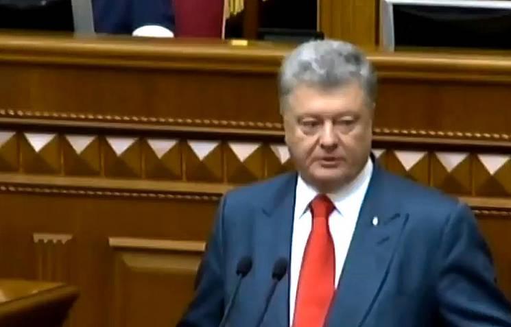 """Порошенко обіцяє повне """"розмосковлення"""" української церкви"""