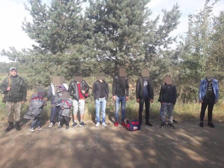 На Львівщині затримали 11 турків-нелегалів