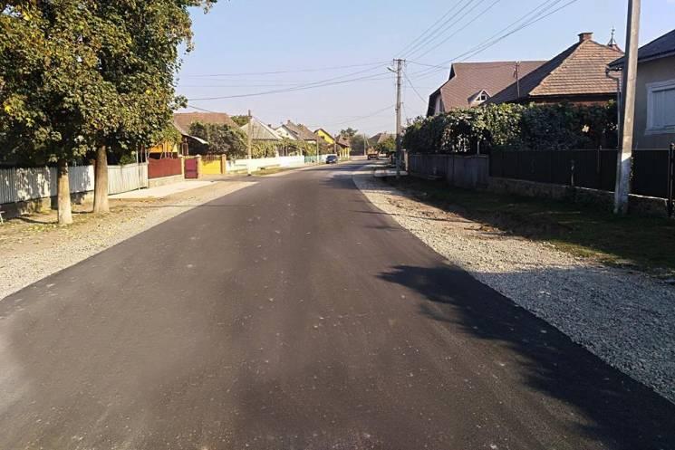 На Виноградівщині відновлюють дорогу, як…
