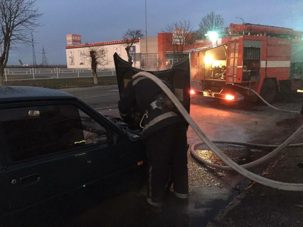 В Івано-Франківській області спалахнула легкова «Таврія»