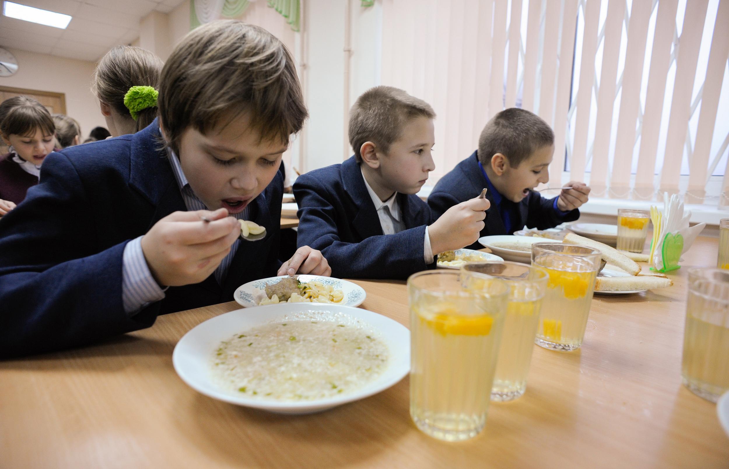 На харчування франківських школярів з міської казни виділили більше 26 мільйонів гривень (відеосюжет)