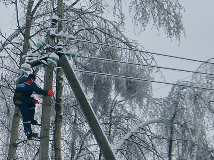 Картинки по запросу електропровода в сніг